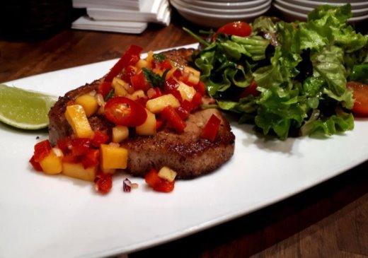 Delicious dishes: Pan seared tuna steak with mango salsa