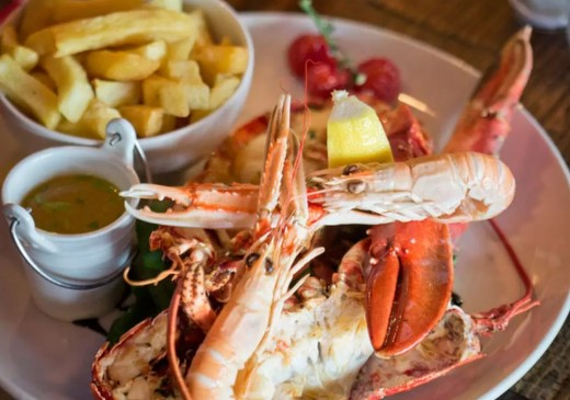 How to Choose Healthy Seafood Dishes When Dining Out
